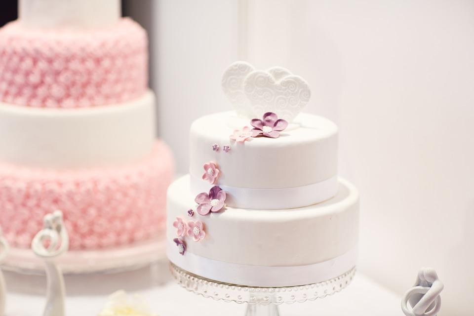 Die Hochzeitstorte Wie Gross Und Teuer Muss Sie Sein
